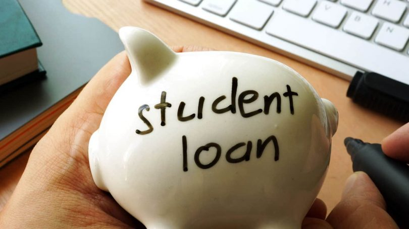 How to Decide Which Student Loans